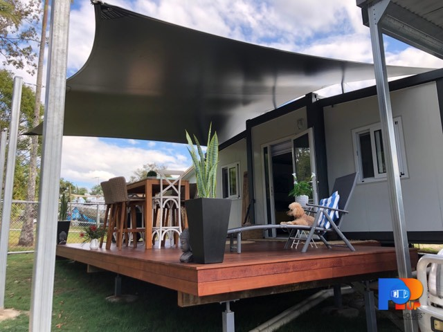 complete tiny / small home with sale and deck